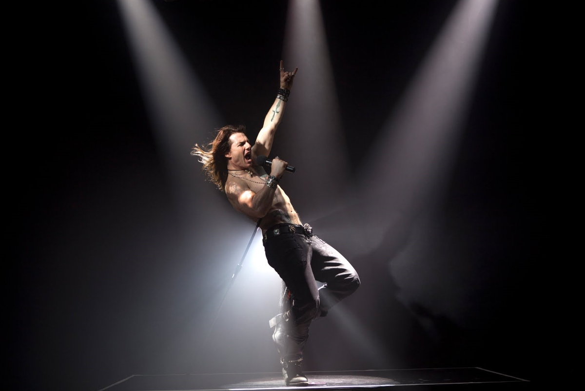 'Rock of Ages' review: Becoming jukebox heroes | Silver ... Rock Of Ages Movie Tom Cruise