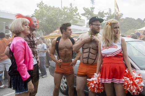 "Ike Barinholtz, Rose Byrne, Carla Gallo, Seth Rogen, and Zac Efron in ""Neighbors 2: Sorority Rising."" (Photo credit: Universal Pictures)"